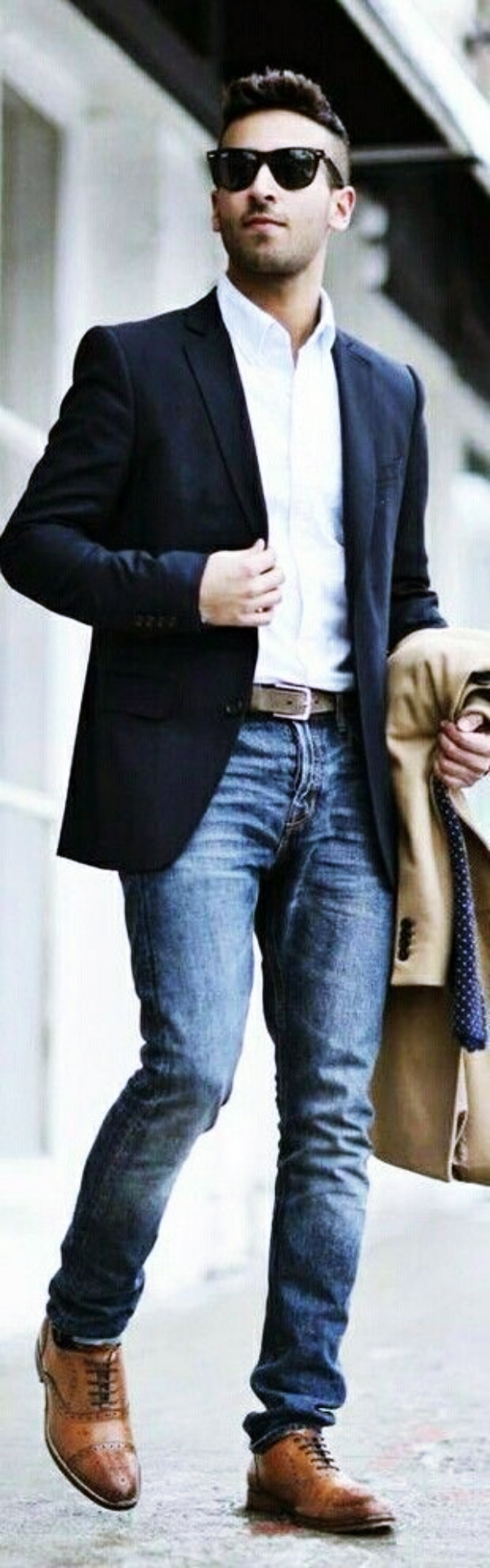 Gentleman's-Guide-to-Achieve-a-Winning-Look-at-Work