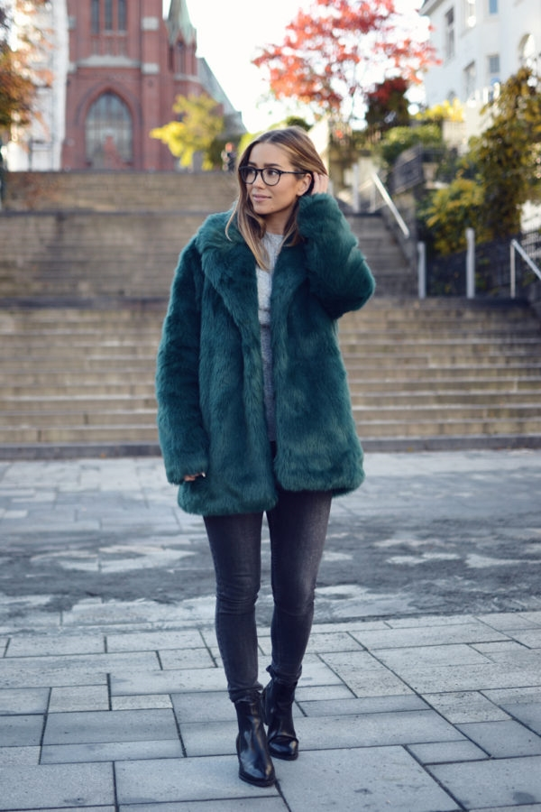 Celebrity-Approved-Work-Outfits-For-Fall