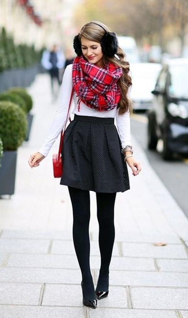 Ways-to-Wear-Crop-Top-Outfits-in-WintersWays-to-Wear-Crop-Top-Outfits-in-Winters